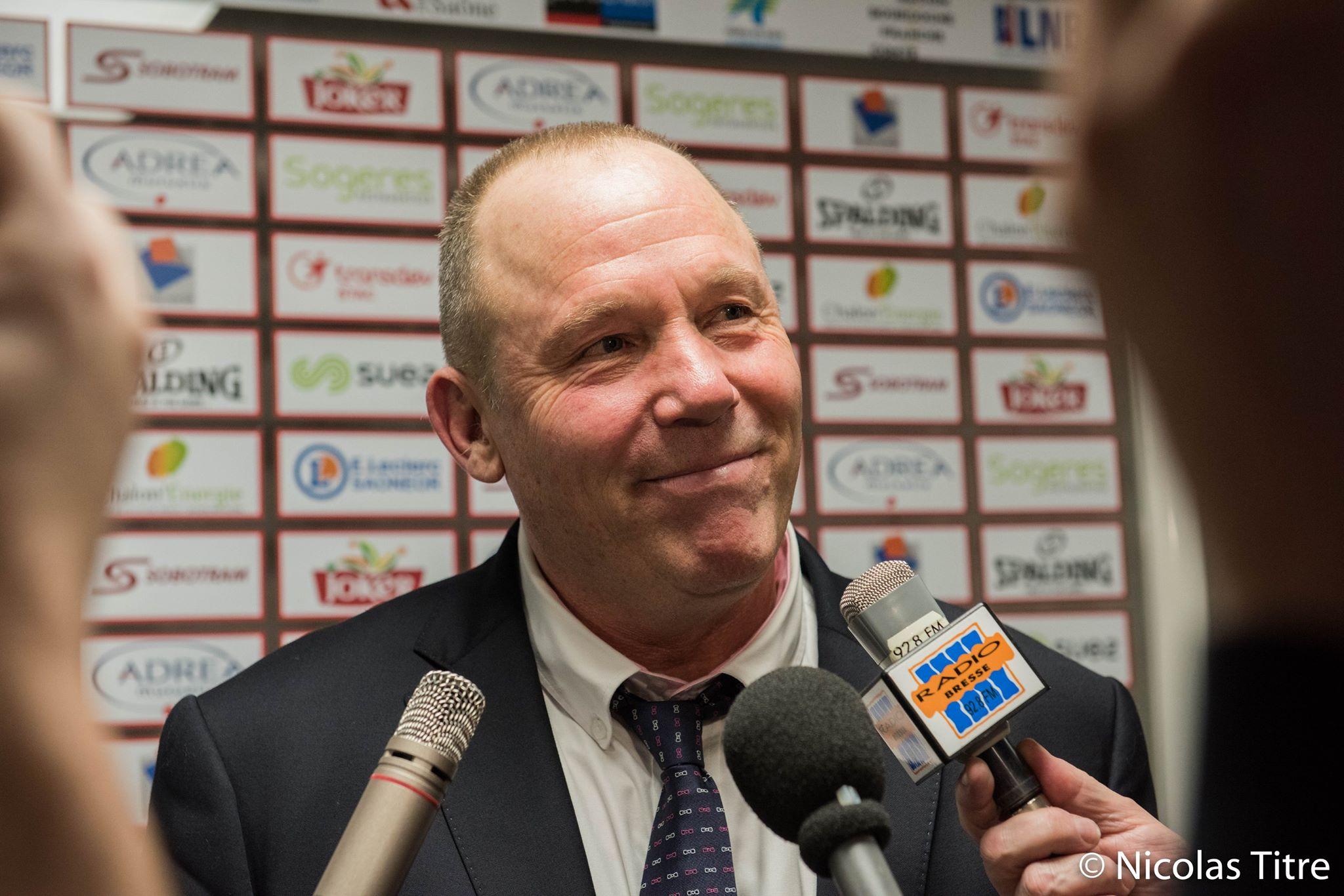 Jean Denys Choulet, entraîneur de l'Elan Chalon, au micro de Radio Bresse